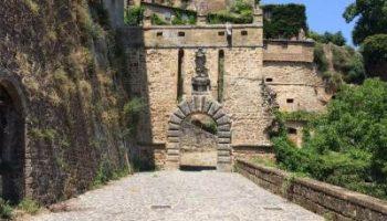 Porta-dei-Merli-Sorano
