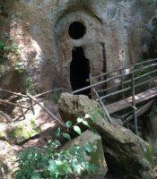 la grotta dell'eremita